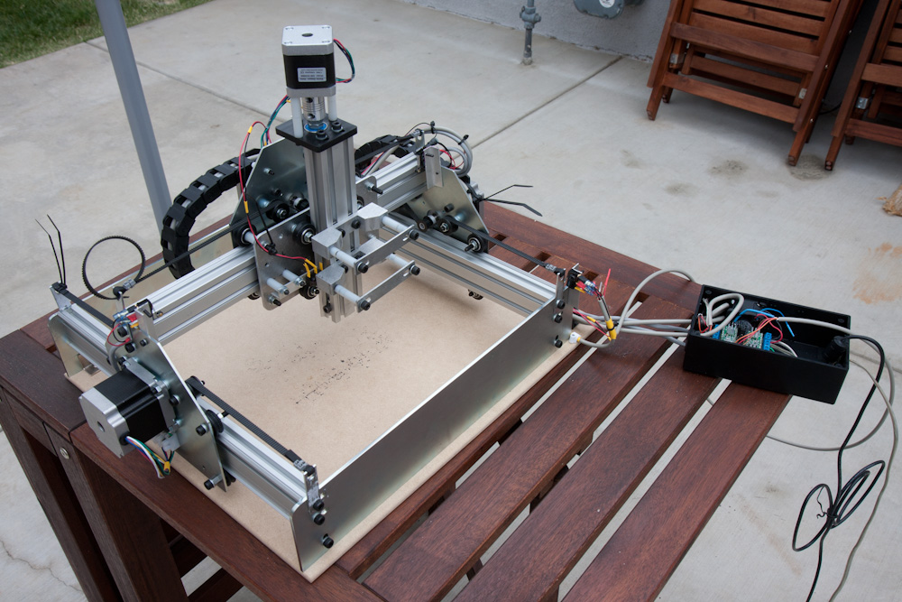 This is what it looks like. The Y-axis has two motors, one on each side of the gantry. The X-axis then runs on the Makerslide aluminum profile connecting the two.